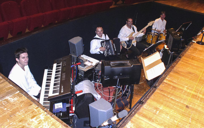 """061000 - Orchestre revue """"Bergerac Follement"""""""